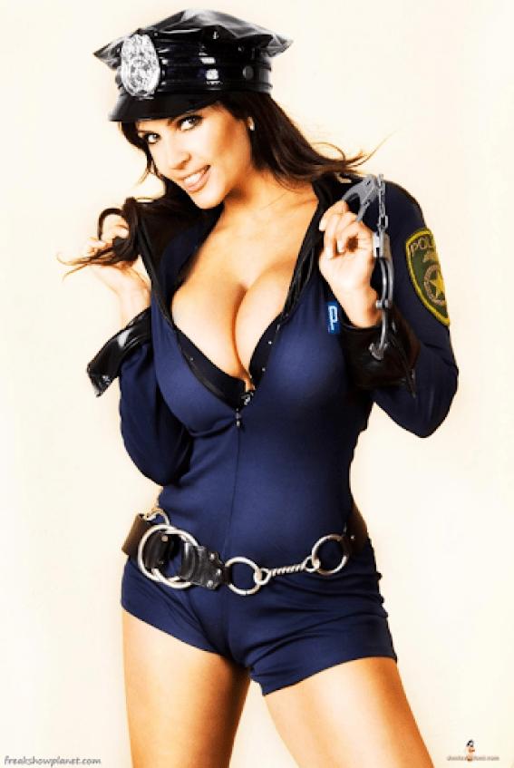 Denise Milani 19