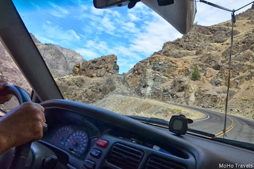 Driving to Hells Canyon Dam