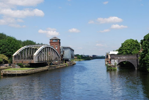 barton-swing-bridge-6