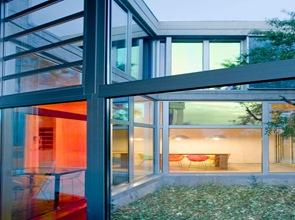 vidrios de colores en ventanas de casa