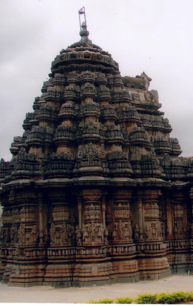 Templo com referências à Vimana