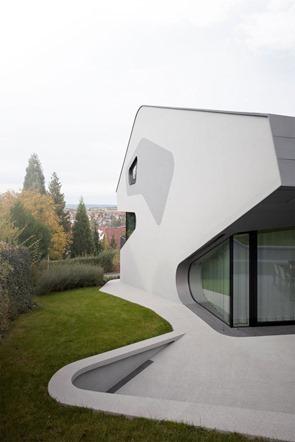 casa-minimalista-fachada-blanca