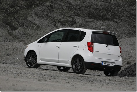 new_colt_ralliart_5-door_002