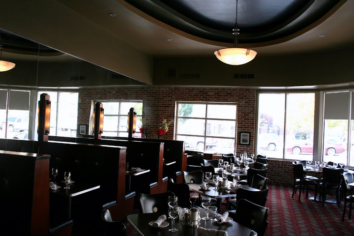 Standard Diner Dining Room