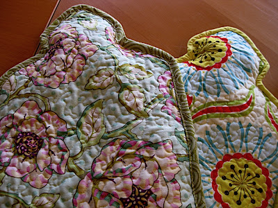 Stipple quilted hot water bottle cover tutorial | Sewn Up