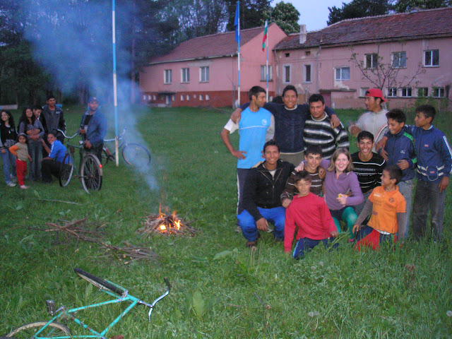 All the children in Enitsa turned up to watch us and to make a fire. And, of course, to pose in cool formations.