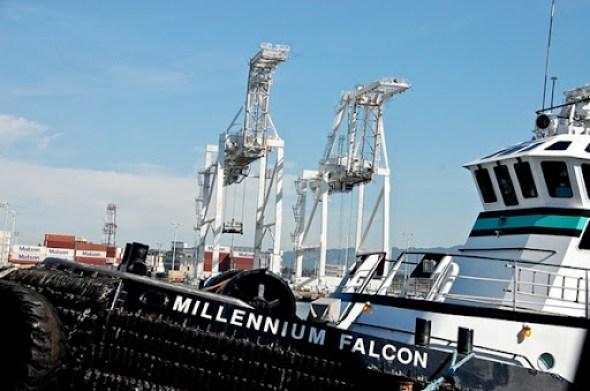 Los dos AT-AT y el Millennium Falcon
