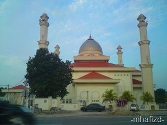 Banyak jmpa masjid mase on the way