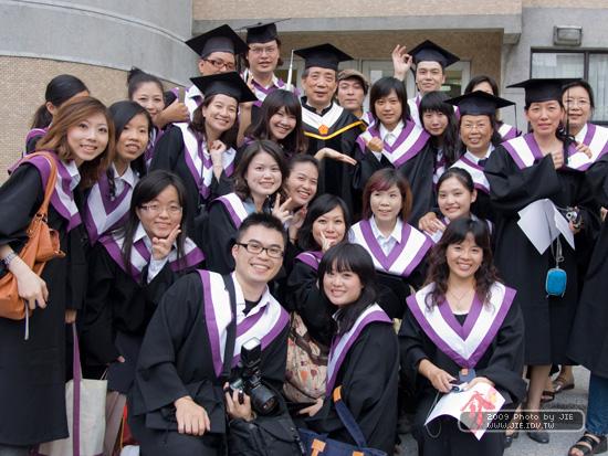 2009台藝大在職專班視傳系畢業典禮側拍