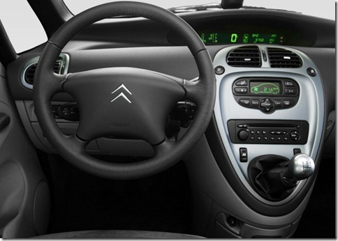 Citroen-Xsara_Picasso_2004_800x600_wallpaper_1e