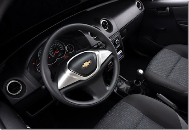 Chevrolet Celta e prisma 2012 (7)