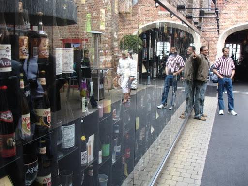 Beer Wall in Brugge - met alle Belgische bieren