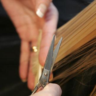 cortando cabelo.jpg