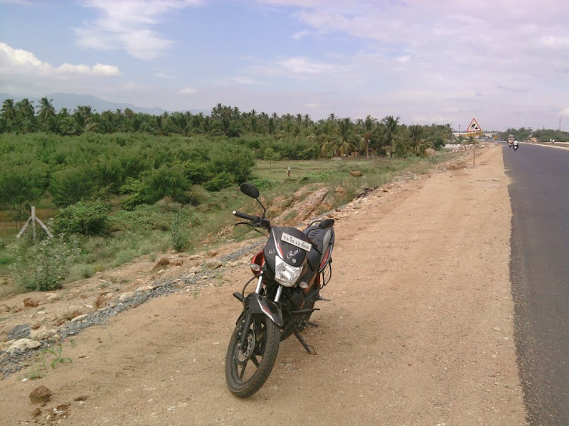 Six kilometer after Dindigul, when we crossed the 10,000 proud partnership!