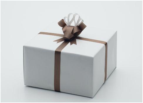 Elaborados lazos para adornar regalos - Regalos envueltos originales ...