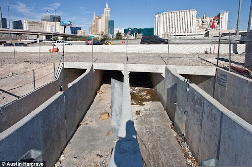 las-vegas-tunnel-people (5)