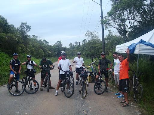 Concentração com o voluntário do Instituto CicloBr, Antônio, para entrar na Imigrantes