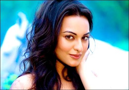 sonakshi sinha wallpapers hd. Sonakshi Sinha Wallpapers-Sonakshi's Satrughna