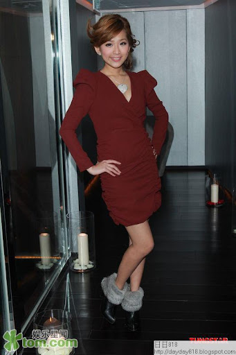 Kimberly Kardashian BLOG: 情人節慈善泳裝派對 區文詩劉欣宜爭豔(圖)