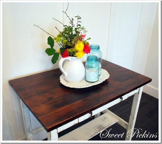 white desk 012