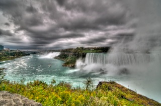 Niagara_tonemapped.jpg