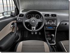 big_VolkswagenCrossPolo_06