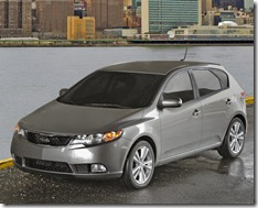 Kia-Forte_5-door_2011_800x600_wallpaper_03