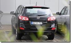2010-Hyundai-Santa-Fe-11