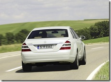 Mercedes-Benz-S400_BlueHYBRID_2010_800x600_wallpaper_14