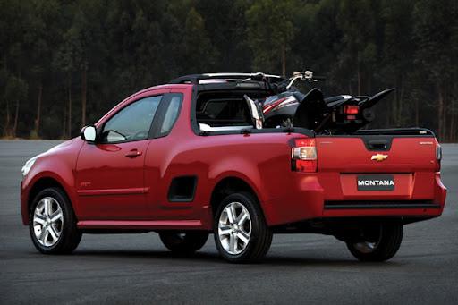 Nova Chevrolet Montana 2011 - traseira