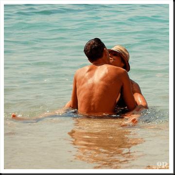 Bercinta di Pantai