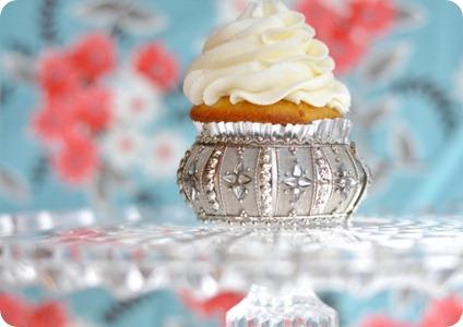 Vegan_Vanilla_Cupcake_HLV1