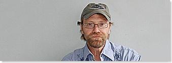 https://i0.wp.com/lh4.ggpht.com/daronlarson/SEGyWWotrQI/AAAAAAAABD4/zvO7z9Kd2FE/George_Saunders%5B5%5D.jpg