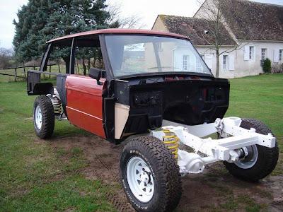 Et un jour, la reconstruction dun véhicule de course à commencé.