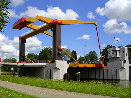 IJdoornlaanbrug over the Noord Hollands Kanaal