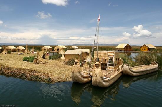 بالصور والفيديوجزر القصب تورتورا جزر عائمة من صنع البشر فى بيرو