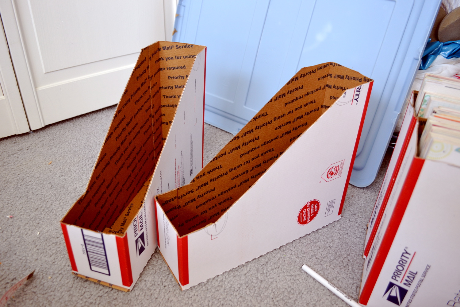 *lyssa beth*: DIY magazine holders from Priority Boxes