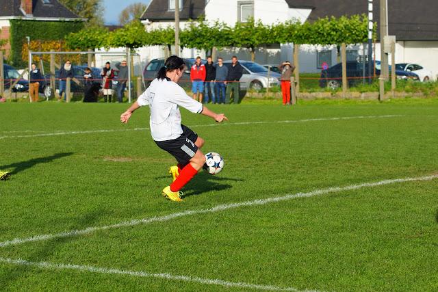 Lise Lefere scoort het 2e doelpunt