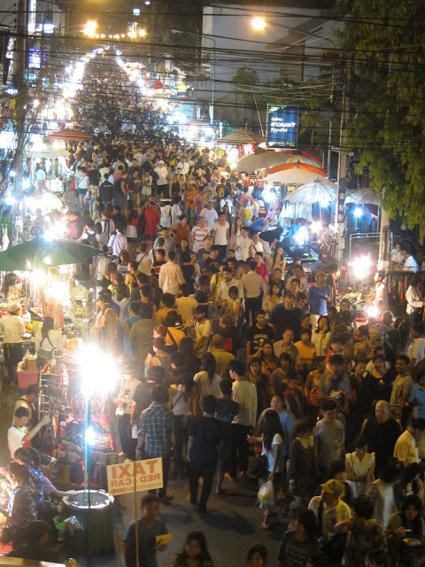 The crowd during Chiang mai sunday market