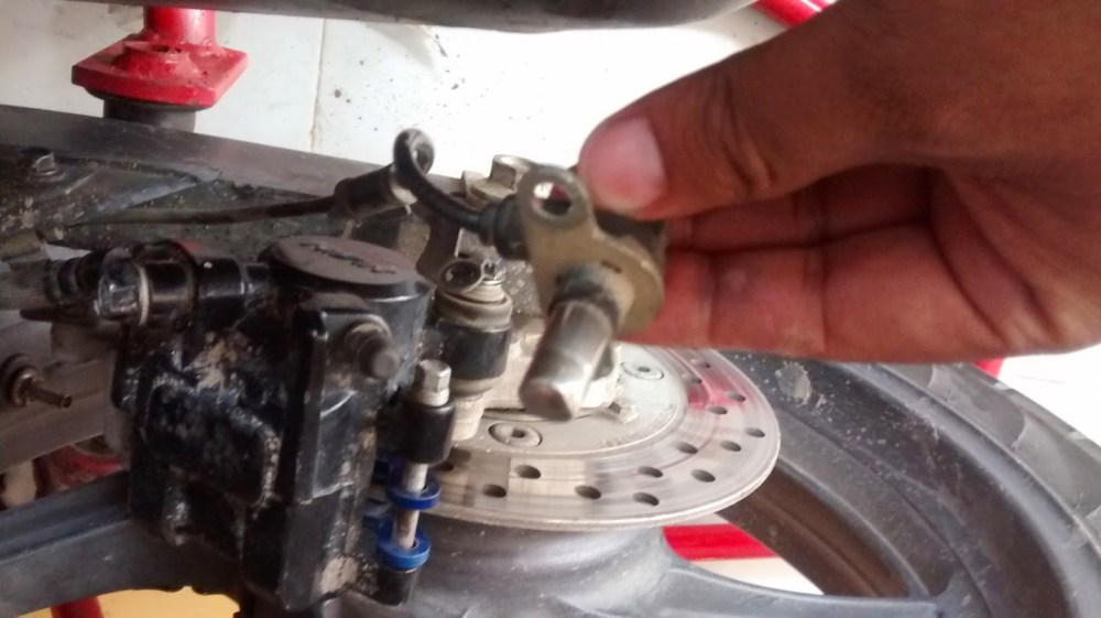 medium resolution of pic 8 the rear abs wheel speed sensor with a visible dent
