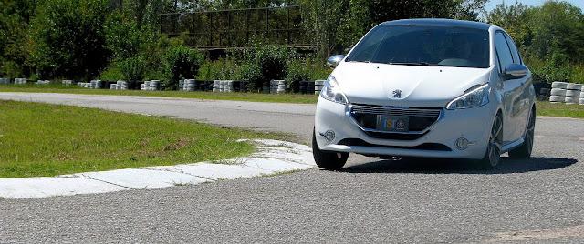 Peugeot%2520208%2520XY%2520GTI%252812-03-2014%2529_7023.JPG