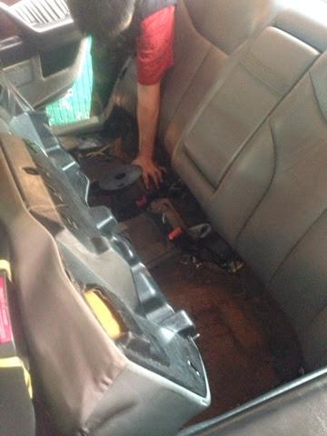 老亨利的汽車日記: W140 S320 氣壓中控幫浦介紹