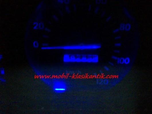 Tampilan speedometer hijet 1000 dengan lampu LED biru