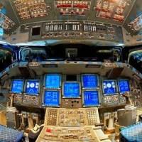 Melihat Dari Dekat Kokpit Pesawat Ulang Alik Endeavour