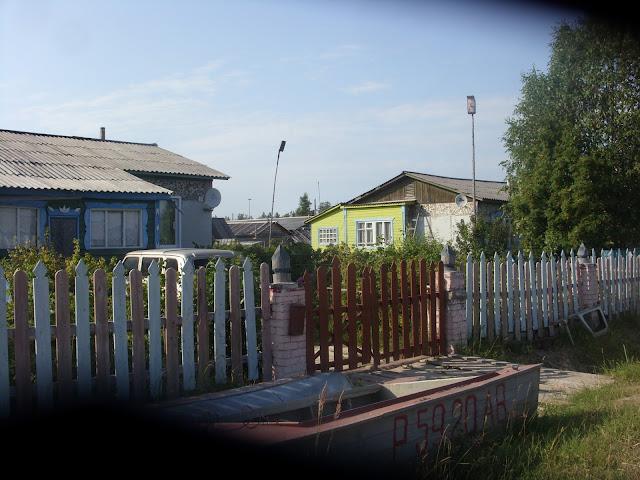 Деревянный забор комбинированный с кирпичом