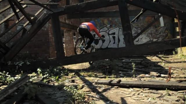 *Chris Akrigg 極限單車特技:飛簷走壁Q彈駕馭! 3