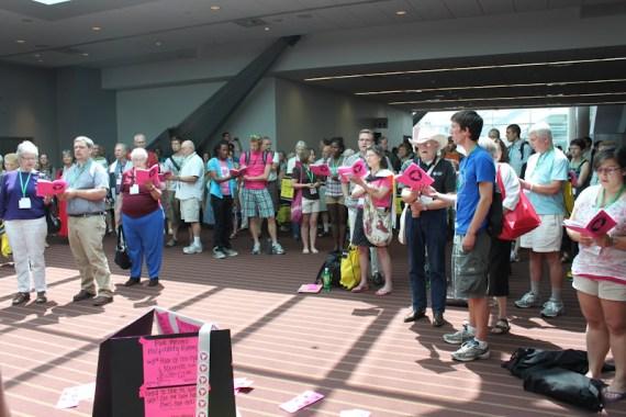 Pink Menno Singing