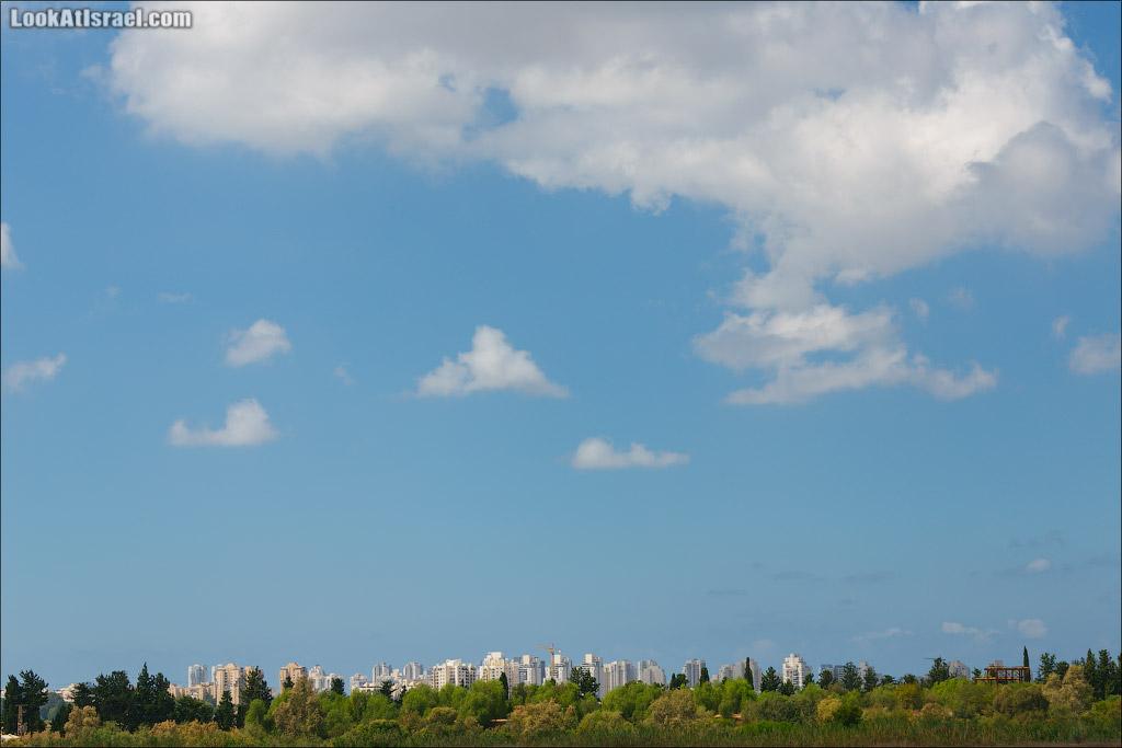 Одно фото под облаками