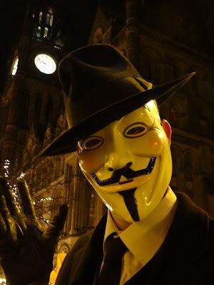 Daniel Thackeray as V