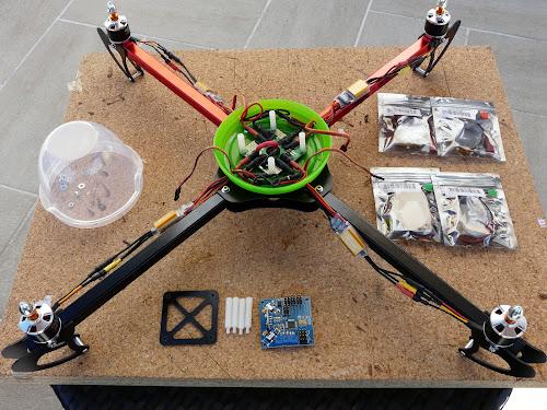 Quadcopter HobbyKing X550 (1/6)